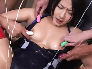Vituperative whore spreads her wings be advantageous to many toys to tease her pussy