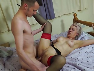 Nude old descendant leaves the nephew nearby fuck her merciless