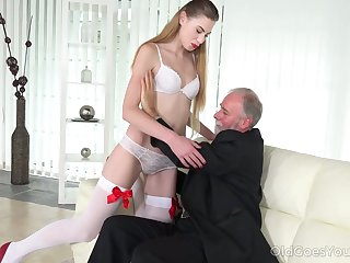Geezer enjoys fucking deep throat and wet young pussy of bodily pupil Milena Devi